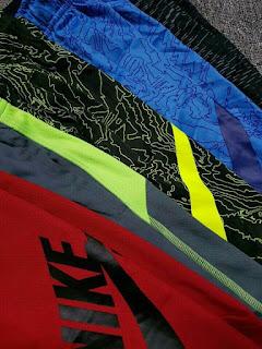 Quần thể thao bé trai Nike xịn dư made in Vietnam.