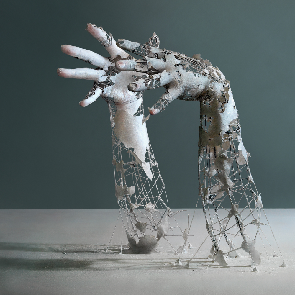05-Yuichi-Ikehata-Kakuunohito-Surreal-and-Realistic-Physical-Fragment-Sculptures-www-designstack-co