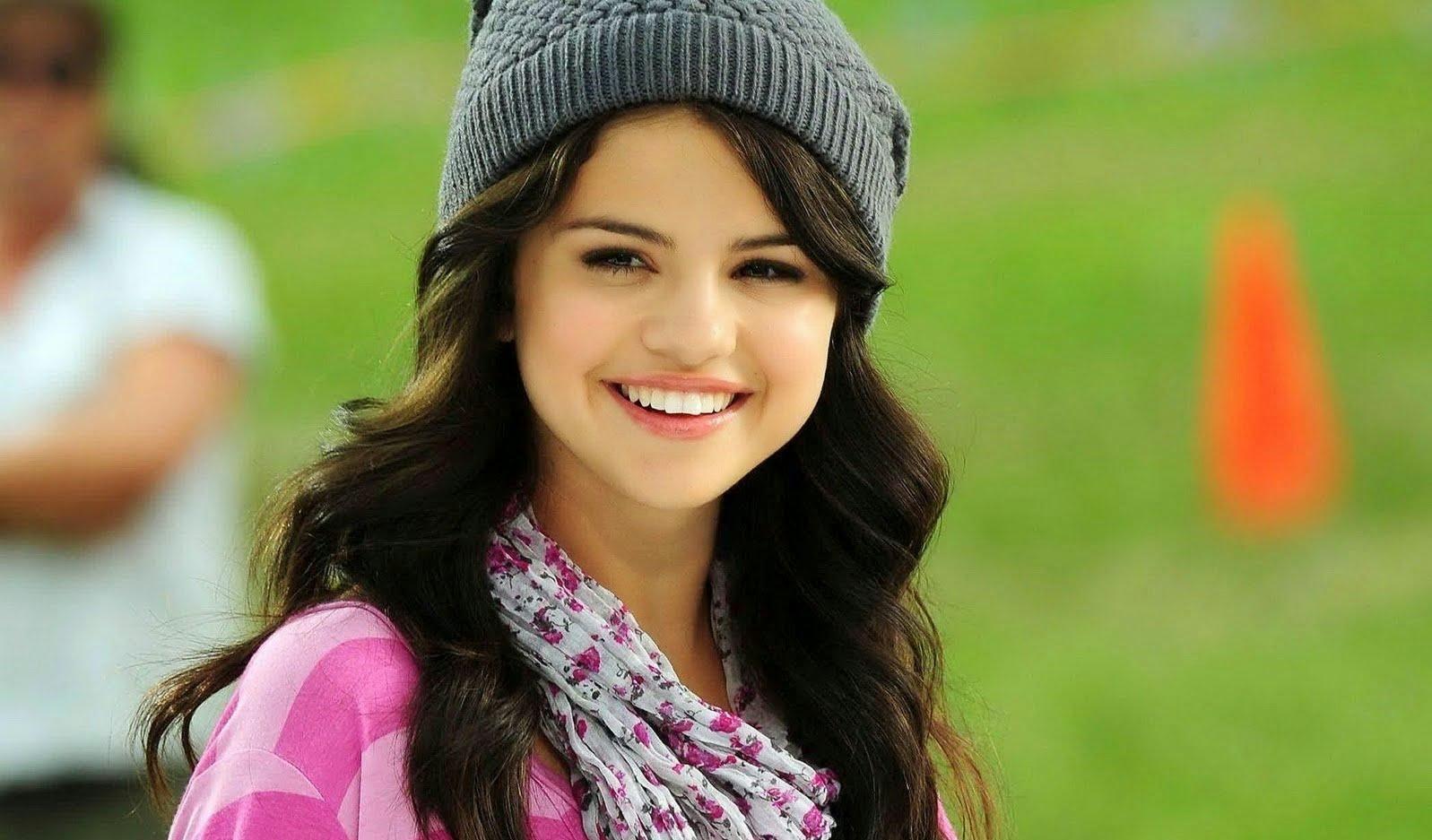 Top 10 Best Young Hot Hollywood Actress | Coi gì