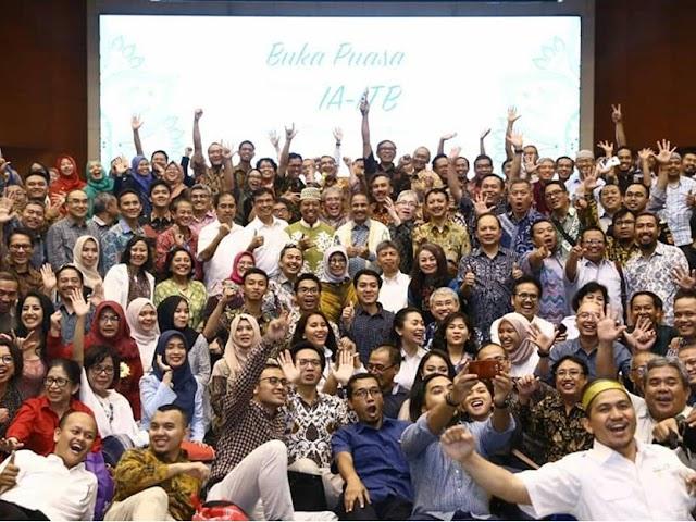 Momen Reuni, Menpar Ajak Alumni ITB Memajukan Wisata Indonesia