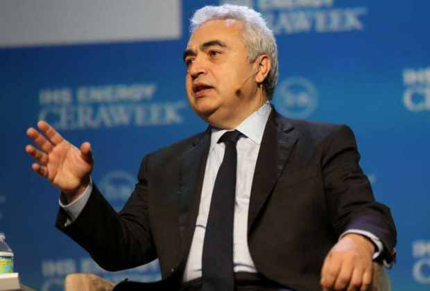 """Director ejecutivo de la AIE: Producción petrolera en Venezuela está en """"caída libre"""""""