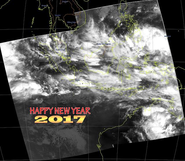 Happy New Year 2017 -- Night Pass Meteor M2