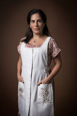 Intérprete de Lola em 'Éramos Seis', Gloria Pires revela que não esperava um romance entre a personagem e Afonso — Foto: Raquel Cunha/Globo