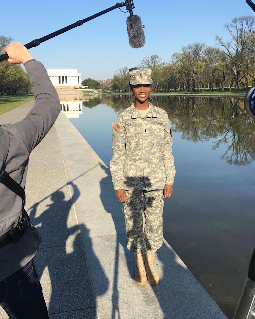 Вона служить в армії