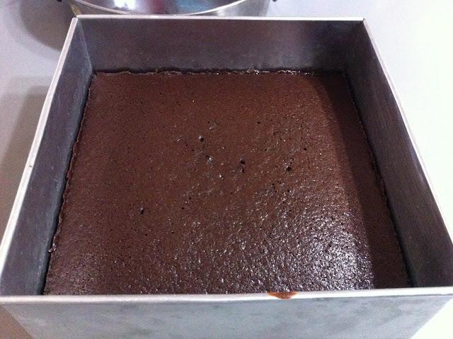 kek asas coklat