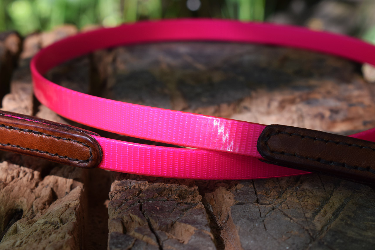 Pink Leather Dog Collar With Skulls