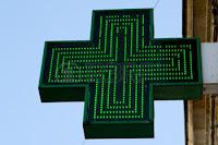 Αγίου Πνεύματος: Πώς θα λειτουργήσουν φαρμακεία και εμπορικά καταστήματα
