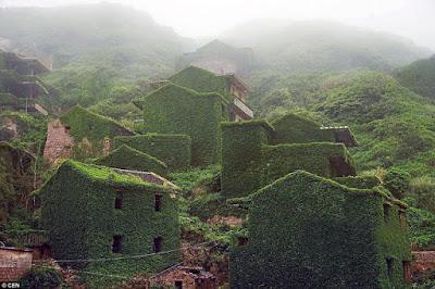 El pueblo fantasma más verde del mundo.