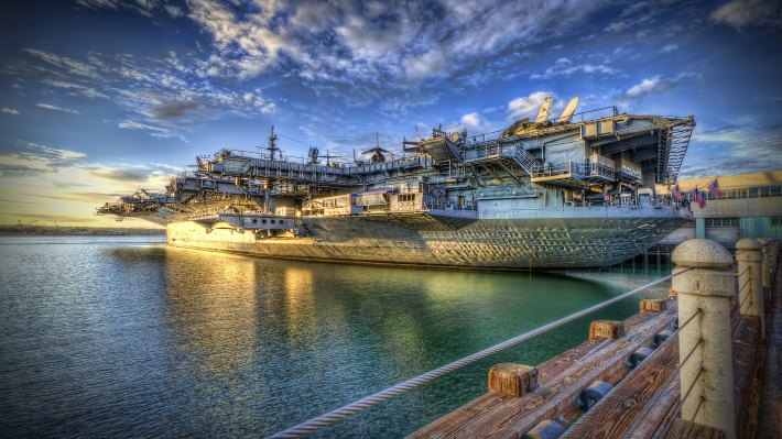 Wallpaper: HDR USS Midway
