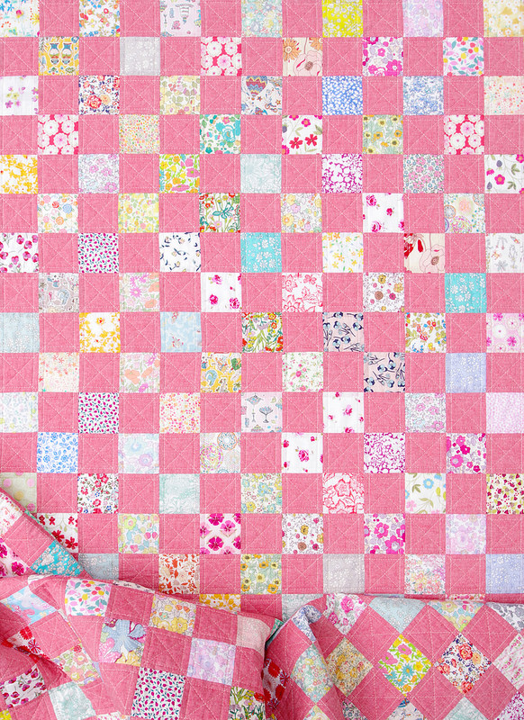 Liberty of London and Chambray Checkerboard Quilt - In Red | © Red Pepper Quilts 2018 #checkerboardquilt #scrapquilt #patchworkquilt