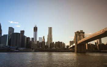 Wallpaper: Manhattan Skyscrapers & Brooklyn Bridge