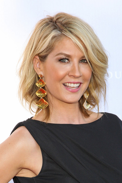 Hairstyle Photo Jenna Elfman Short Hairstyles Picture