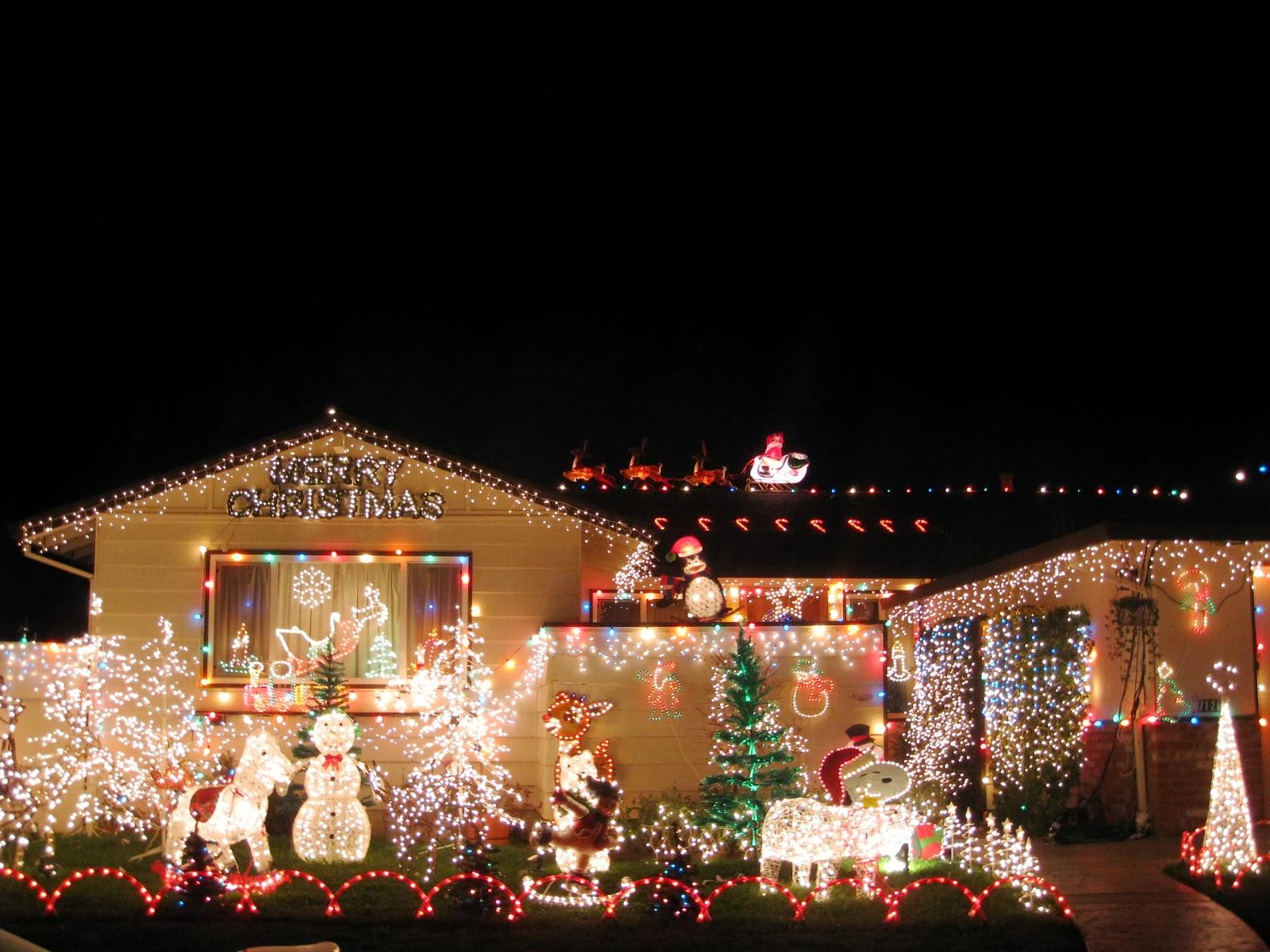 اضاءة  ليلة رأس السنة بزينة مبتكرة