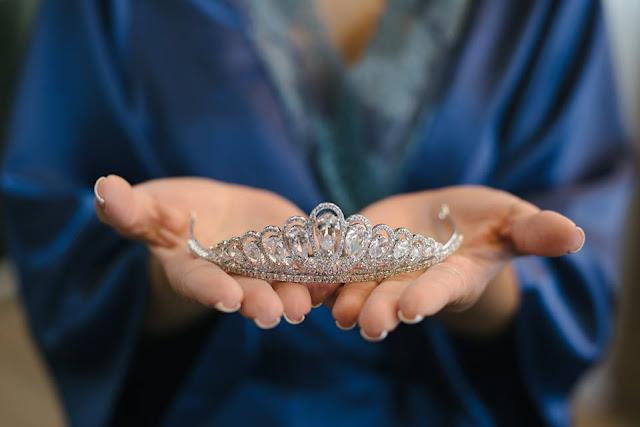 casamento real, casamento real Rafaela e Lucas, dia da noiva, making of, tiara, coroa, joia, noiva