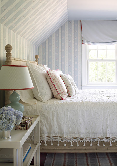 Cozy Cottage Bedroom Inspiring Dreamy