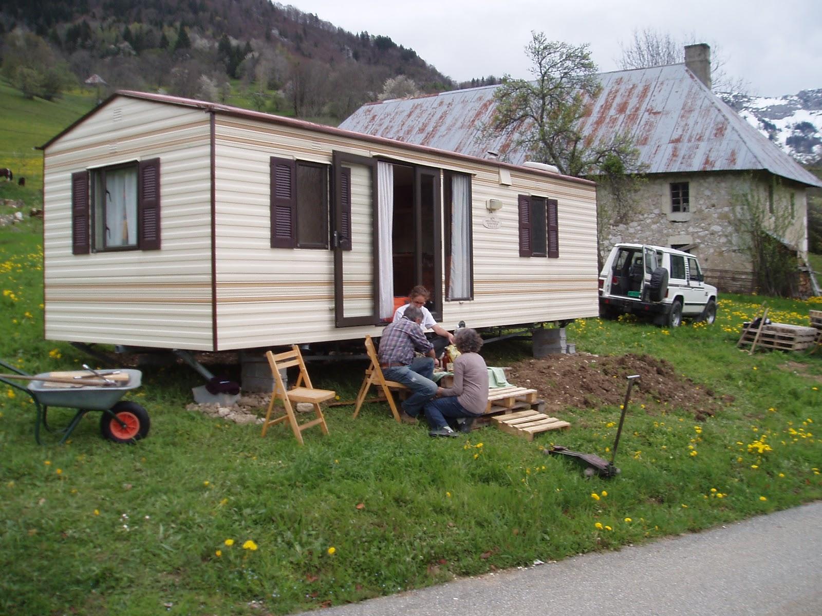 mob au pays du reblochon le mobil home mise en place et am nagement. Black Bedroom Furniture Sets. Home Design Ideas