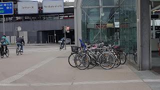 Bicicletas en estaciones de metro