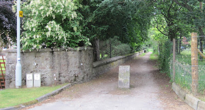 Dundarroch Road, the Seven Bridges Trail