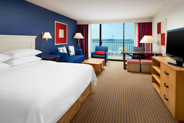 Experience a rewarding stay at Sheraton San Diego Hotel & Marina. This waterfront hotel offers stylish accommodations, marina views, pools, a spa and more.