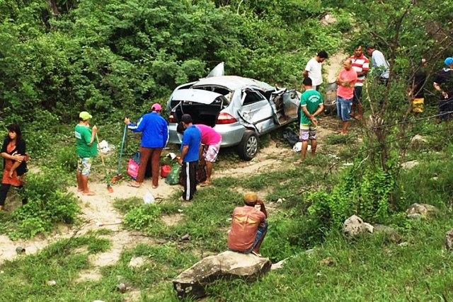 Uma pessoa morre em grave acidente na BA-262, em Aracatu