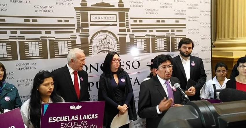 Congresistas presentarán al MINEDU petición por escuelas laicas