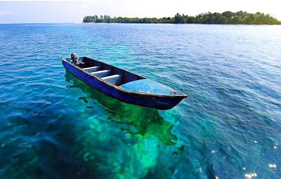 Gambar Pulau Beralas Pasir Di Kepulauan Riau