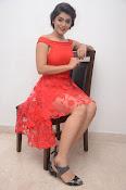 Yamini bhaskar new glam pics-thumbnail-8