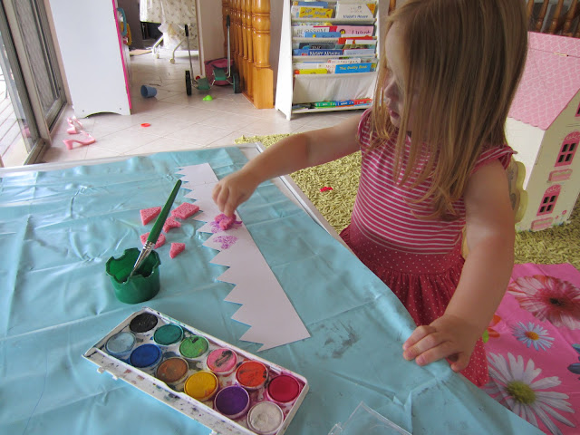 craft for kids, acticity for kids, make a crown, princess activity