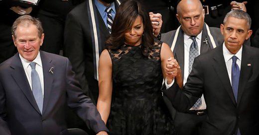 George W. Bush aparece en funeral de policías... bailando