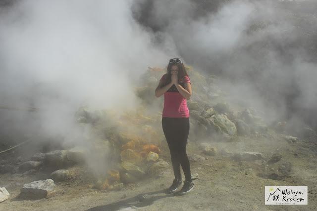 Aktywny gejzer wulkanu Solfatara