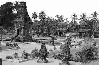 Candi Panataran, selesai dibangun pada masa Raja Hayam Wuruk Majapahit