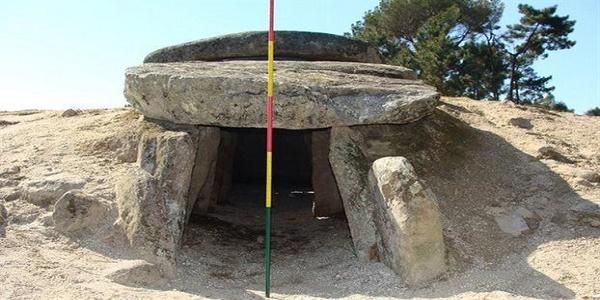 Ανακαλύφτηκαν αρχαίοι τάφοι που ήταν και τηλεσκόπια!