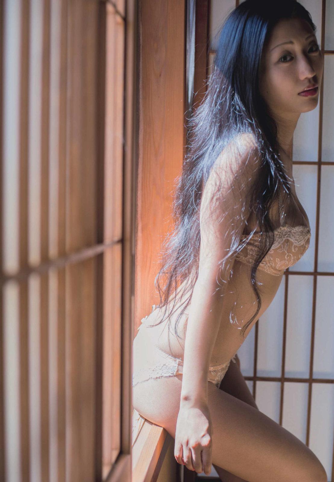 Dan Mitsu 壇蜜, Shūkan Gendai 2017.10.28 (週刊現代 2017年10月28日号)