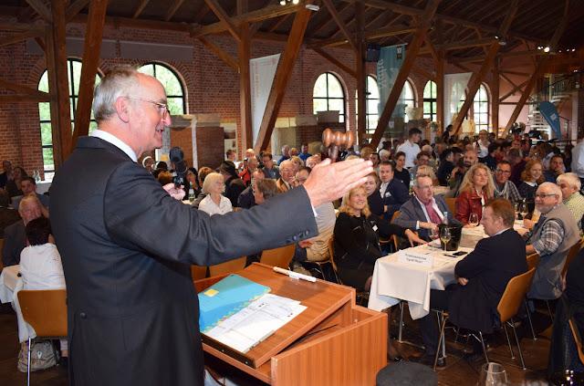 Auktionator Michael Prinz zu Salm-Salm