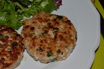 Hambúrgueres de Frango com Arroz de Legumes