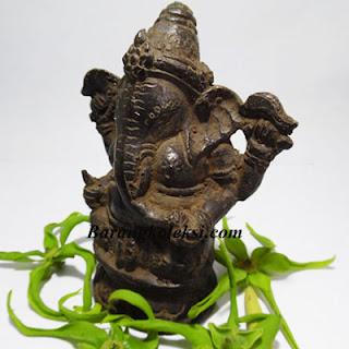 patung ganesha, harga patung ganesha, patung ganesha terindah, penempatan patung ganesha di rumah, fungsi patung ganesha di rumah, cara memuja dewa ganesha, sesajen untuk dewa ganesha, jual patung ganesha, dewa ganesha dalam kepercayaan hindu berkedudukan sebagai