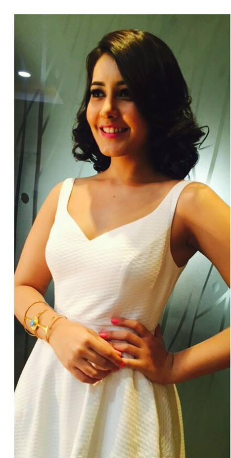 Spicy Photoshoot Of Rashi Khanna In White Top ❤