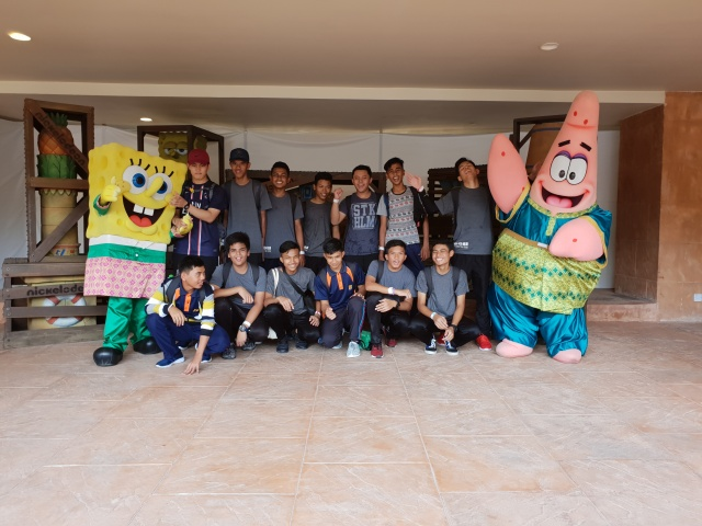 NickALive!: Sunway Lagoon Treats Orphans to the Best Day Ever