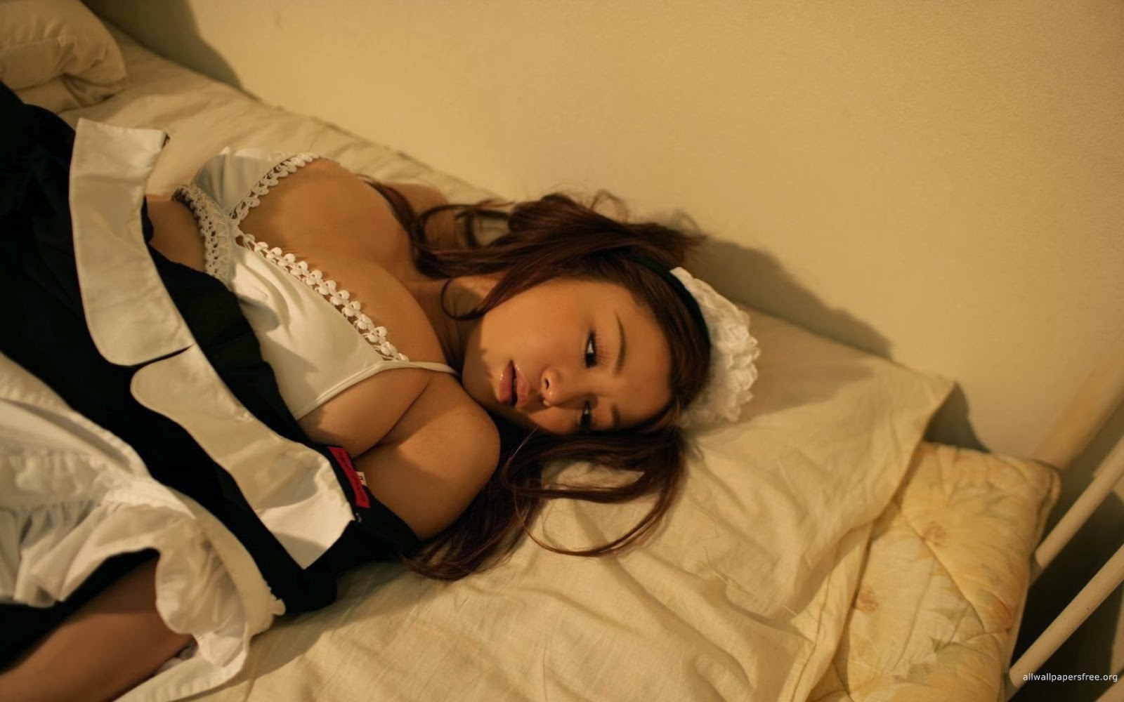 Semi Nude, Bikini And Trendy Dresses Girlh Beautiful -8112