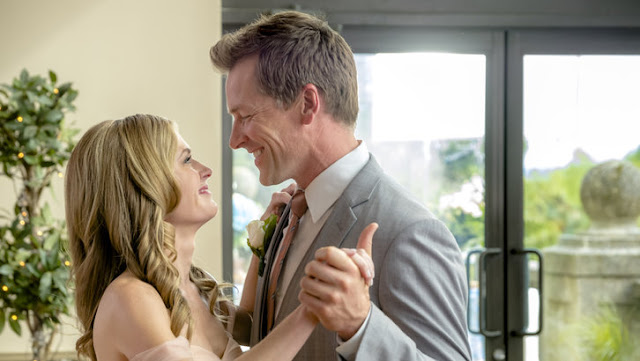 My Favorite Wedding (2017) – A Witty Wedding Story of 'Errors' Romantic Comedy