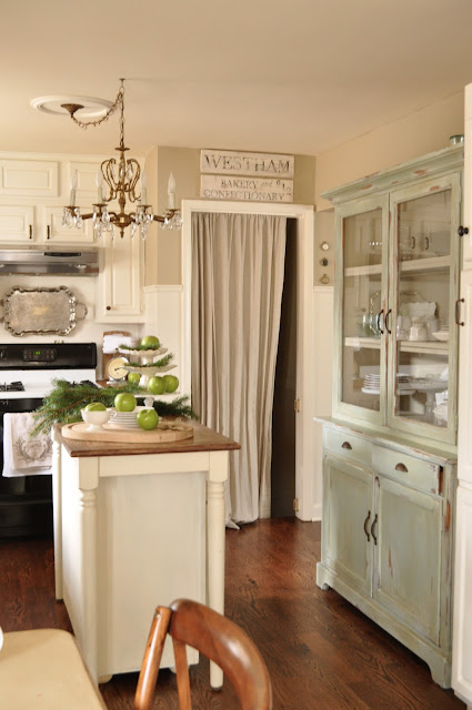 Jennifer Rizzo's kitchen and hutch