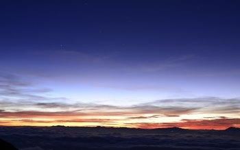 Wallpaper: Between Sky and Earth