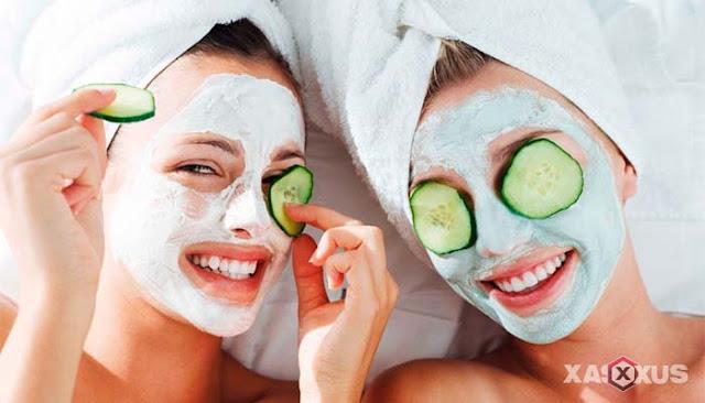 18 Manfaat Timun Untuk Wajah, Bibir, dan Mata Beserta Cara Menggunakannya