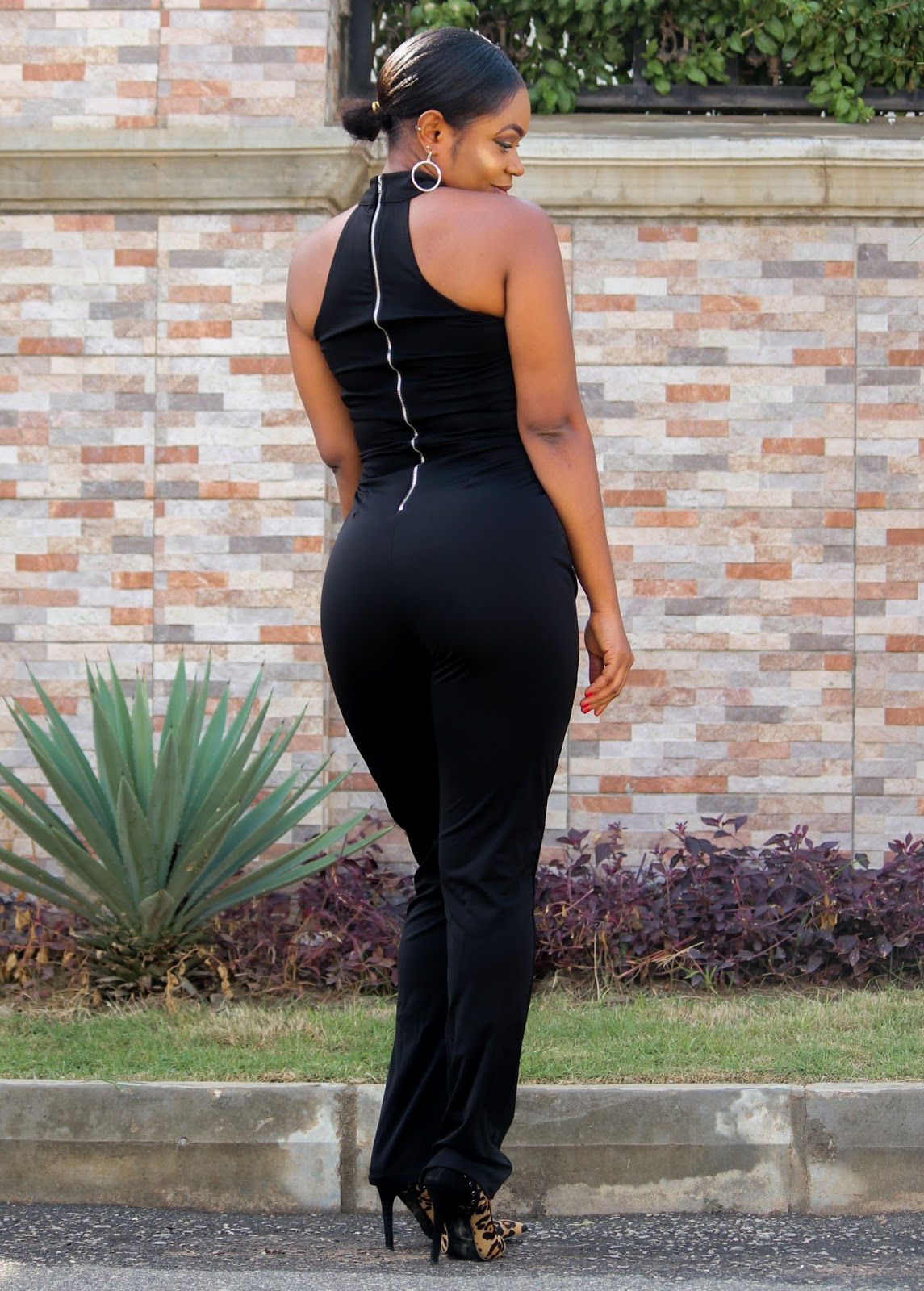 ZAFUL BLACK JUMPSUIT - Black Jumpsuit with cut-out neck detail from Zaful
