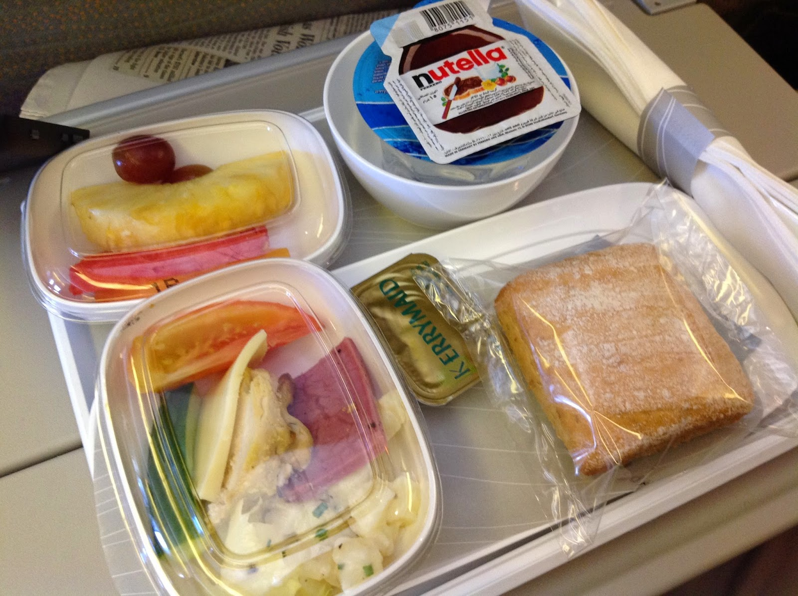 Emirates-EK059-in-flight-meal-snack エミレーツの機内食(軽食)