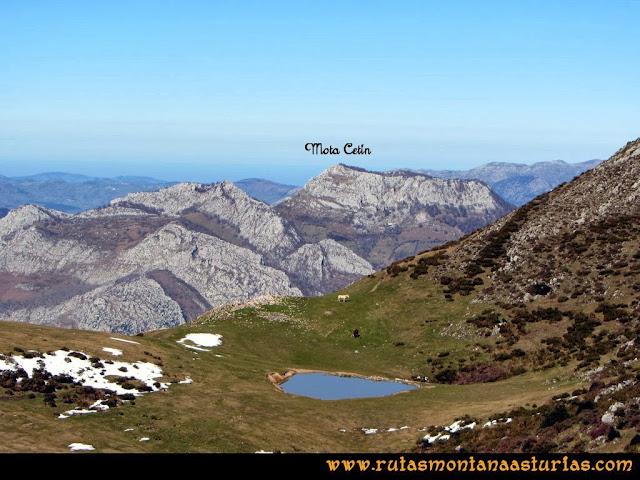 Ruta al Pico Pierzu: Vista de la Mota Cetín