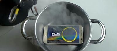 [Video] Apa Yang Terjadi Jika Samsung Galaxy S7 ini Direndam Dengan Nitrogen Cair