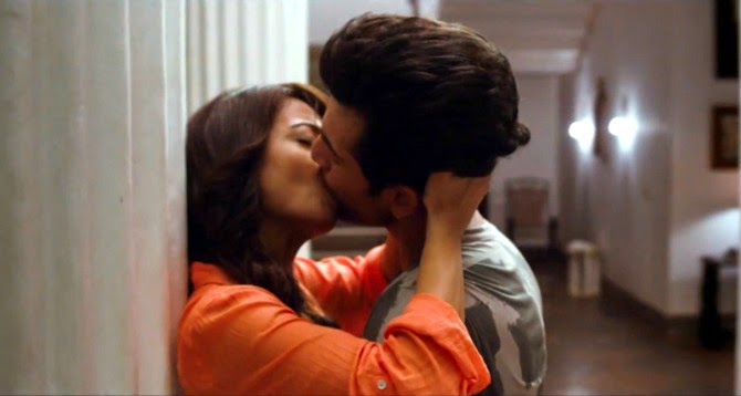 Surveen Chawla and Jai Bhanushali Kissing Scene