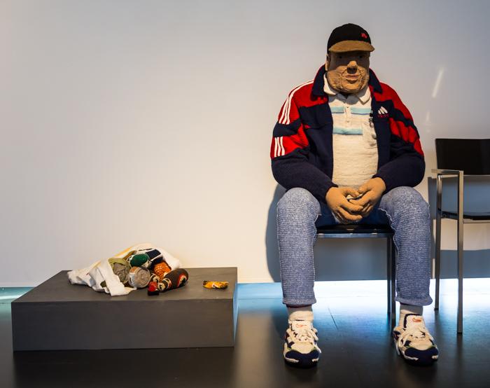 Liisa Hietanen Tiistai-ilta (Siwa) virkattu mies Näkyväksi neulottu näyttely