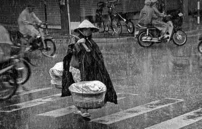 Mẹ... và...mưa